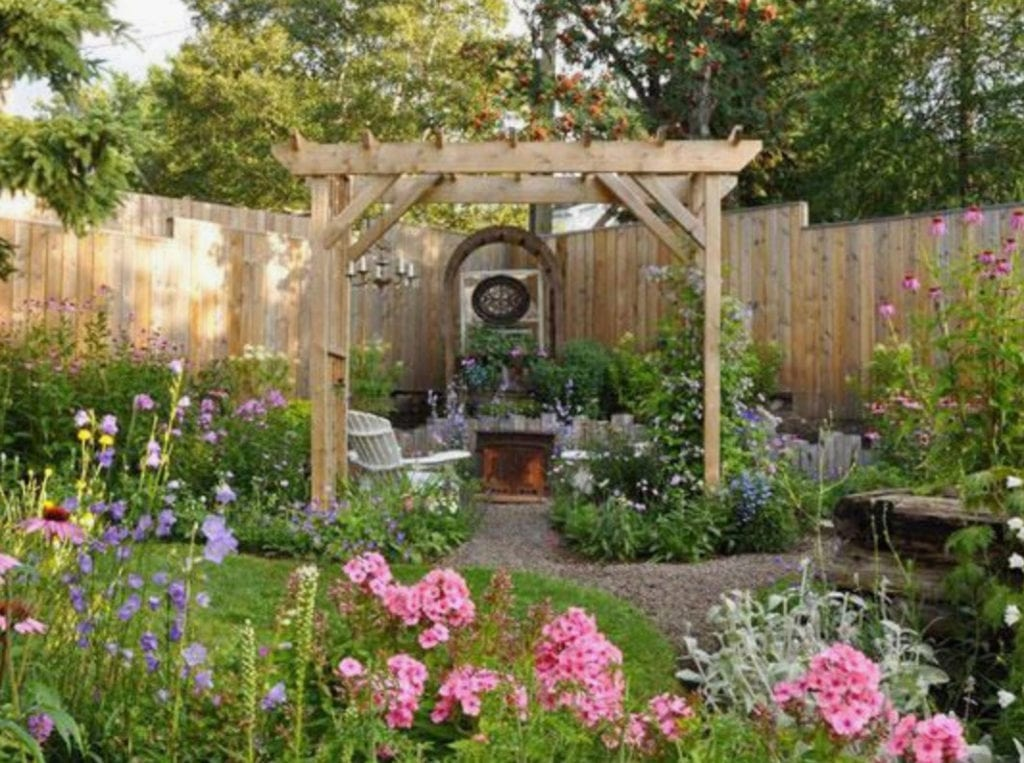 Small Yard Ideas You Can Try