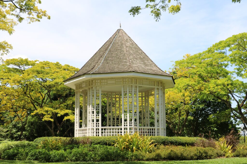 5 Great Shade Structures To Improve Your Yard