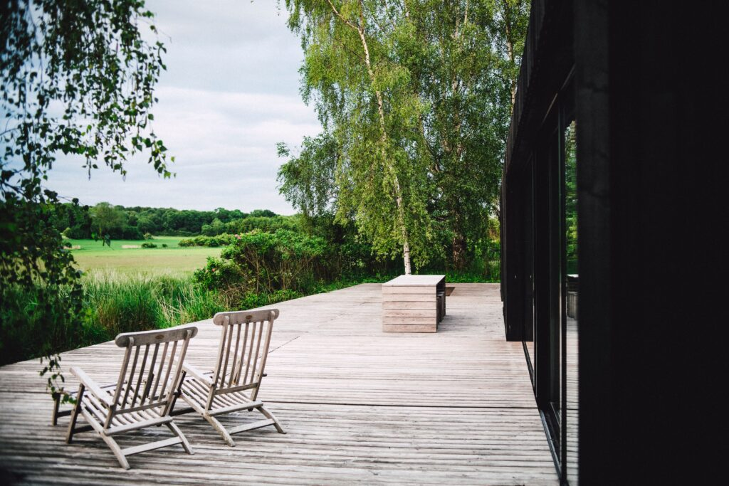 How to Design a Beautiful Lakefront Deck that Lasts a Lifetime
